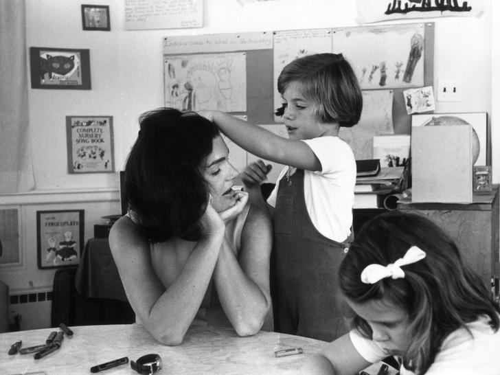Фото №9 - Счастье на четверых: самые трогательные фото четы Кеннеди с детьми