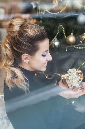 Фото №9 - 7 стильных образов к Новому году от Dessange