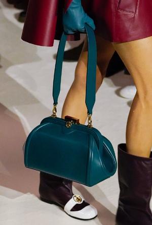 Фото №17 - Самые модные сумки осени и зимы 2020/21