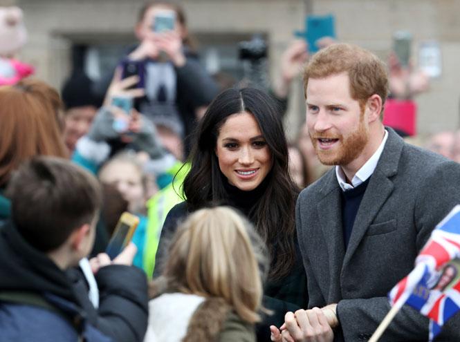 Фото №3 - На радость бабушке: почему уход Гарри и Меган выгоден британской монархии