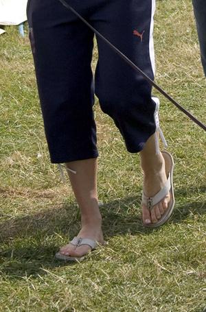 Фото №11 - Что говорят о характере Меган и Кейт их ноги