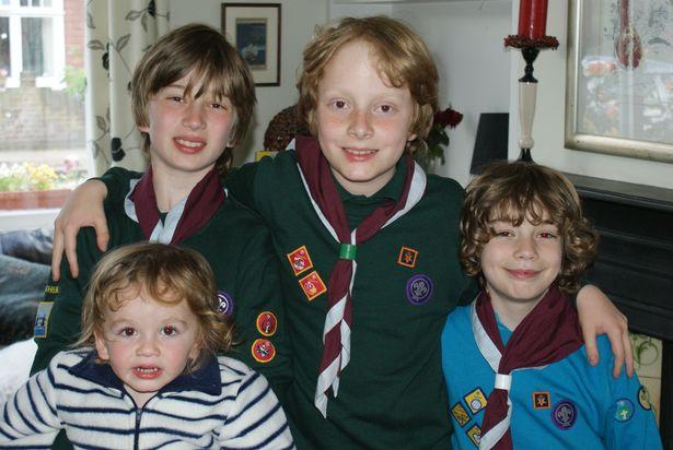 Фото №2 - Четыре сына с аутизмом: британка откровенно рассказала историю своей необычной семьи