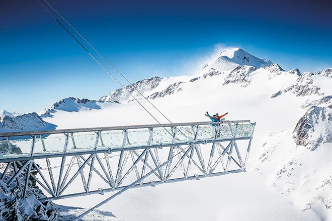 Фото №2 - Зёльден 003: что общего у горнолыжного курорта и Джеймса Бонда