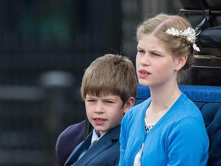 Фото №1 - Не графы и не герцоги: что означают титулы младших внуков Королевы— леди Луизы и виконта Северна