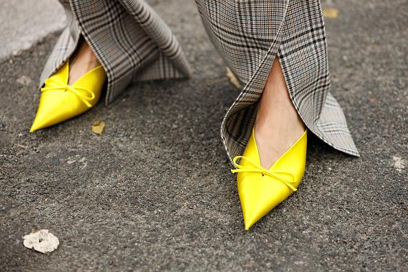 Фото №5 - Тренд: 5 желтых вещей, которые помогут скрасить осень