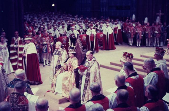 Фото №16 - Конец эпохи Елизаветы II: отречение не за горами?