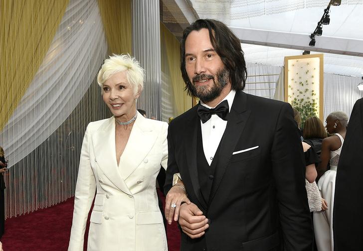 Фото №1 - Киану Ривз пришел на «Оскар» с мамой