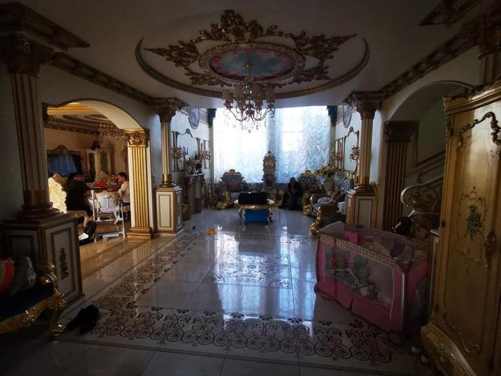 Фото №4 - Архитектор рассказал, сколько стоят золотая мебель и сантехника из дома экс-главы ГИБДД Ставрополья