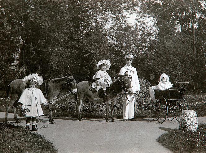 Фото №10 - Милые и забавные архивные фото царской семьи Романовых