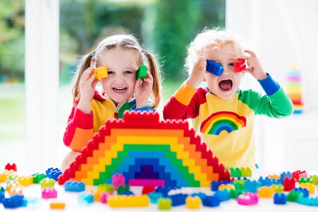 Фото №1 - Ребенок засунул в нос мелкий предмет: как это понять и чем помочь