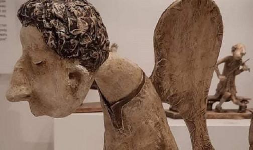 """Фото №1 - """"Печальный ангел на скамеечке"""": Памятник медикам, умершим от ковида, появится возле Карповки на этой неделе"""