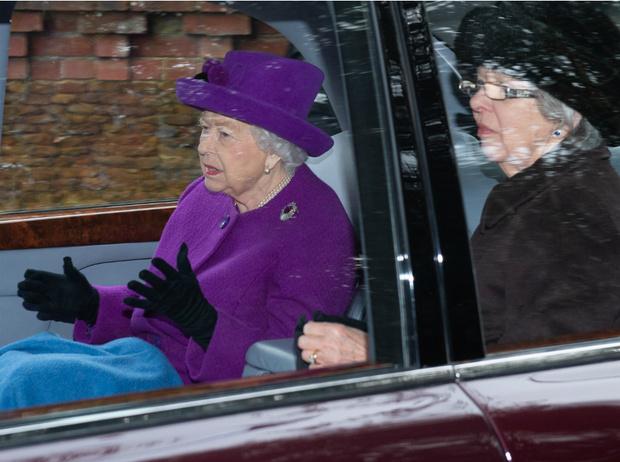 Фото №4 - Стильный образ и встреча с «соперницей»: как прошел первый публичный выход Кембриджей в новом году