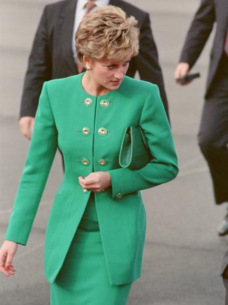 Фото №31 - Одним цветом: как королевские особы носят монохромные образы— 30 вдохновляющих примеров