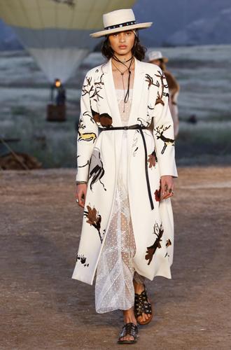 Фото №7 - Woman Power: круизная коллекция Dior 2018