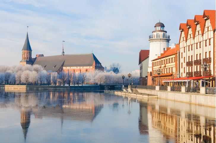 Фото №1 - Названы самые популярные у россиян туристические направления на 8 Марта