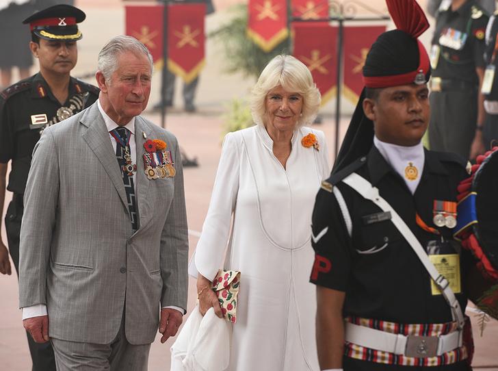 Фото №2 - Принц Чарльз — самый расточительный путешественник среди Виндзоров