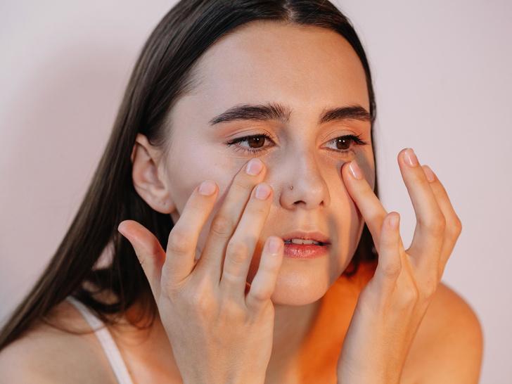 Фото №3 - 8 бьюти-привычек, с которыми вам больше не потребуется макияж