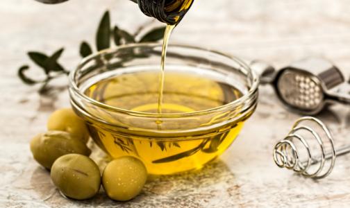 Фото №1 - Эксперты Роскачества выяснили, в каком масле больше омега-6 и омега-3 - оливковом или подсолнечном