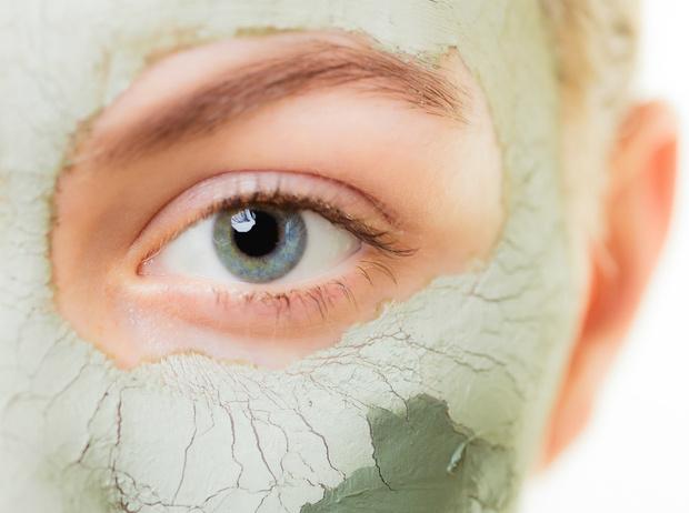 Фото №2 - 5 рецептов масок для лица, которые можно делать дома