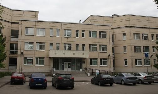 Фото №1 - Упавший на крыльце поликлиники петербуржец получит 500 тысяч рублей компенсации