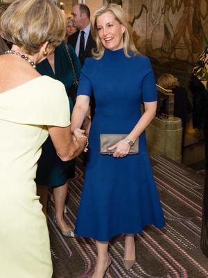 Фото №5 - Сестры по стилю: модные образы, которые Кейт и Софи повторяли друг за другом