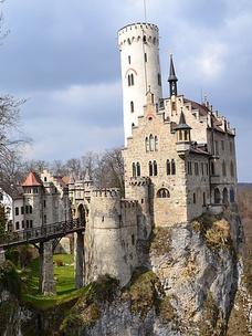 Фото №9 - Тест: Выбери замок, и мы скажем, какой принц в тебя влюбится