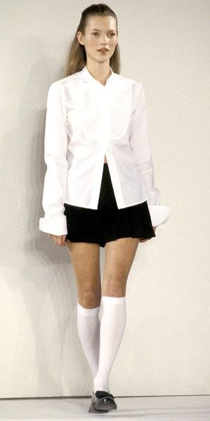 Фото №2 - Кривые ноги и нескладная фигура: феномен Кейт Мосс