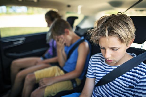 Фото №2 - Средства от укачивания для детей: как помочь, если ребенка тошнит в транспорте