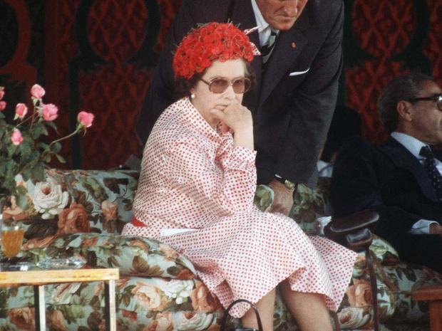 Фото №1 - Все не по плану: история самого сложного королевского тура Елизаветы II
