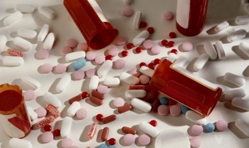 Фото №1 - В апреле Россия уменьшила закупки импортных лекарств
