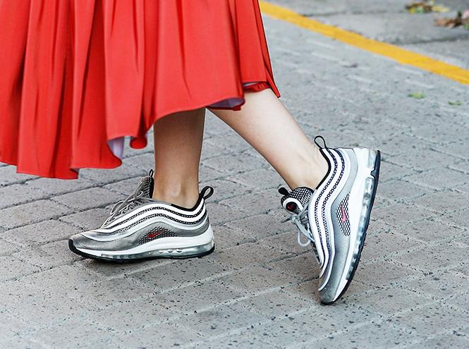 Фото №2 - Базовая обувь на лето: 4 варианта на все случаи жизни