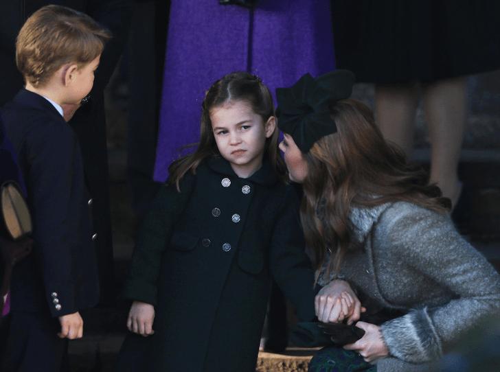 Фото №2 - Маленькая леди: видео с реверансом принцессы Шарлотты стало вирусным