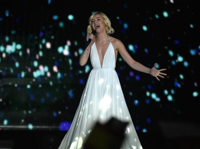 Фото №1 - Полина Гагарина заняла второе место на «Евровидении-2015»