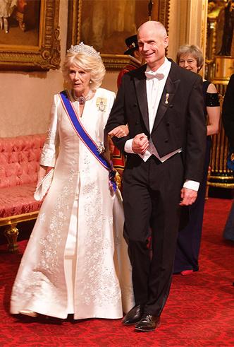 Фото №14 - Парад тиар в Букингемском дворце (и самая большая – у королевы Максимы)