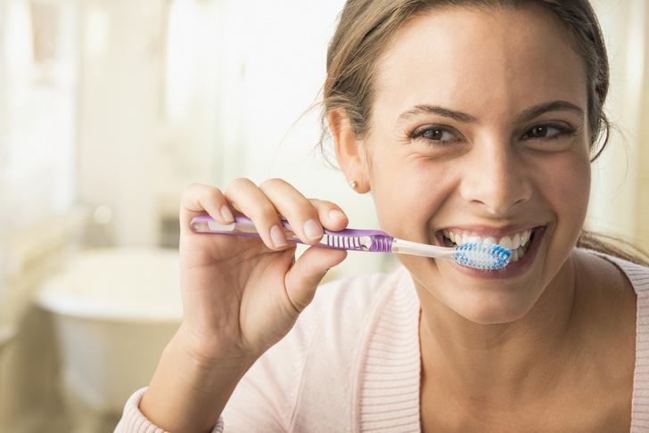 чистить зубы солью