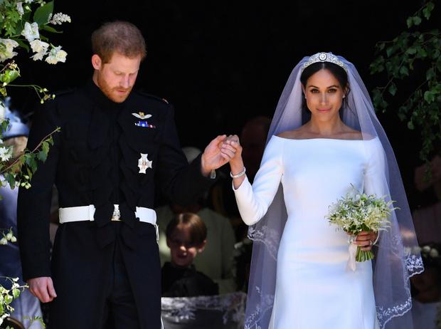 Фото №1 - Невеста с претензиями: за что Меган обиделась на Королеву перед свадьбой
