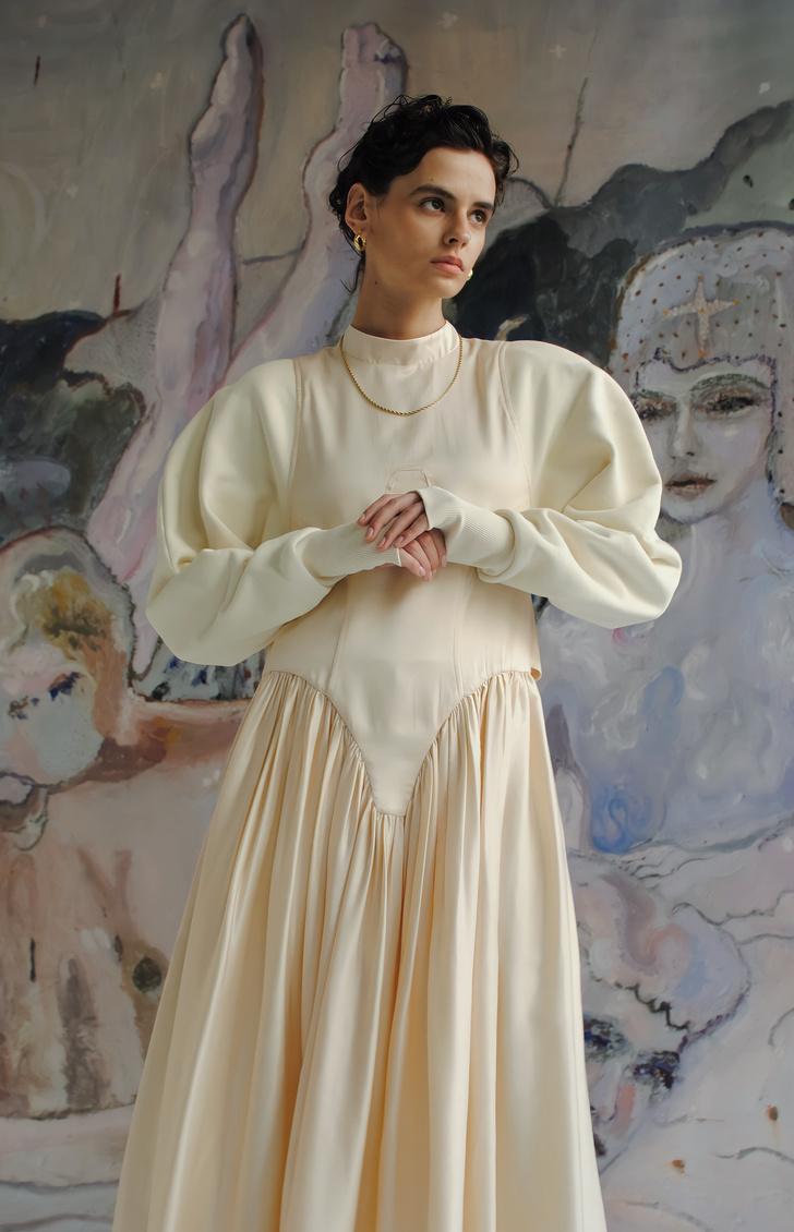 Фото №1 - Российский бренд Jenesaq выпустил коллаборацию с художницей Levasseur