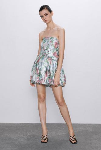 Фото №37 - Самые модные платья для встречи Нового 2020 года: 5 главных трендов