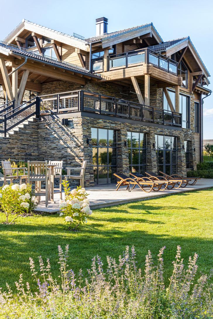 Фото №1 - Загородный дом на берегу реки для нескольких поколений семьи