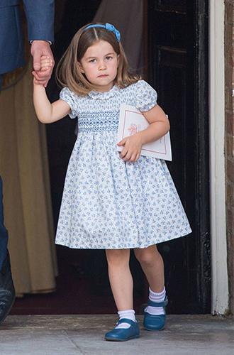 Фото №2 - Почему принцесса Шарлотта всегда в платьях