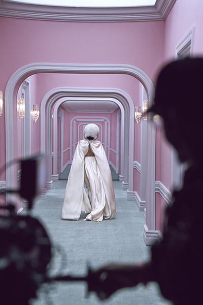 Фото №1 - Леди Гага снялась в новогодней рекламе H&M