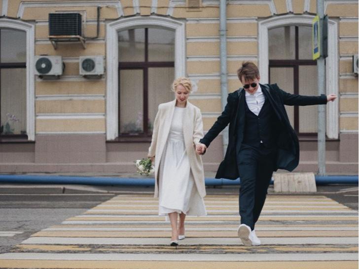 Фото №4 - Как выглядит свадебный альбом пары, которая поженилась онлайн