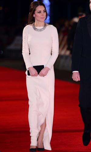 Фото №17 - 12 королевских традиций, которые нарушили Кейт Миддлтон и принц Уильям