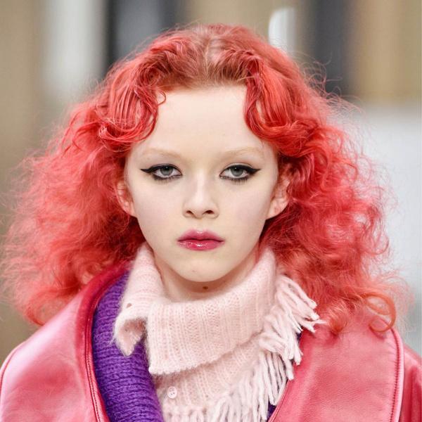 Фото №1 - Яркая осень: как повторить макияж с модного показа Miu Miu