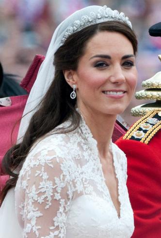 Фото №2 - Невеста с характером: чем Кейт шокировала Королеву в день своей свадьбы