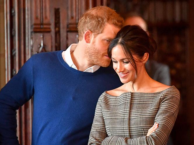 Фото №14 - С подтекстом: почему каждая вещь в наряде Меган Маркл в Уэльсе – это модное заявление будущей герцогини
