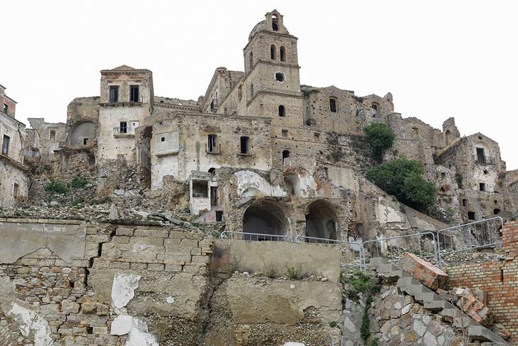 Фото №3 - Истории с концом: 10 исчезающих городов-призраков