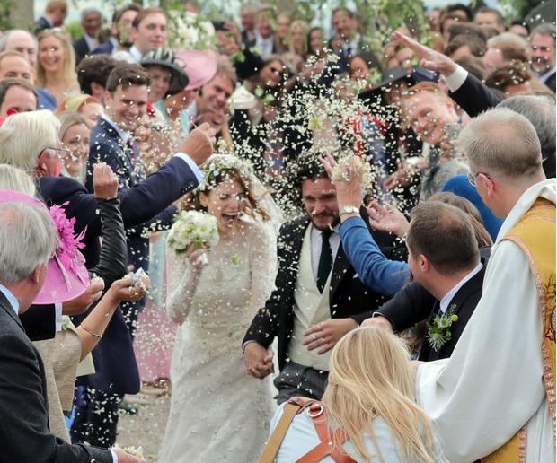 Фото №4 - Как это было: свадьба Кита Харингтона и Роуз Лесли