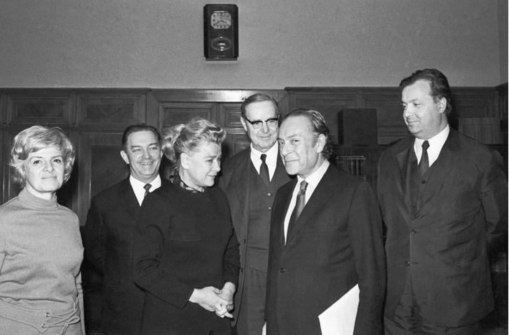 Фото №5 - Когда наши женщины стали носить брюки, кто превратил Брежнева в дэнди: тайное закулисье советской моды