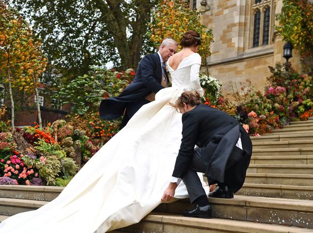 Фото №4 - Настоящая принцесса: свадебный образ Евгении Йоркской